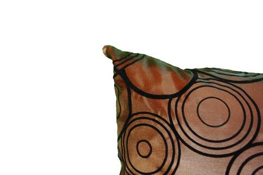 タイシルク クッションカバー  リングデザイン ブラウン 【Ring Design , Brown】 45×45cm 対応の商品写真03