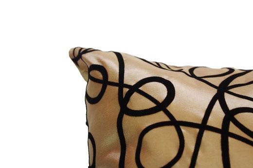 タイシルク クッションカバー  インフィニティ デザイン ゴールド 【Infinity Design , Gold】 の商品画像02