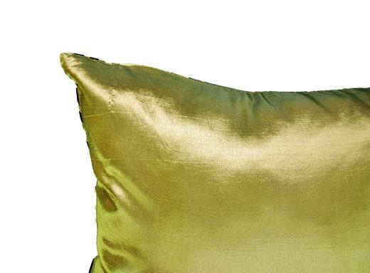 タイシルク クッションカバー  スクリュー デザイン グリーン 【Screw Design , Green】 45×45cm 対応の商品画像06