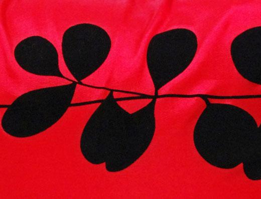 タイシルク クッションカバー  リーフ デザイン レッド 【Leaf Design , Red】 45×45cm 対応の商品写真02