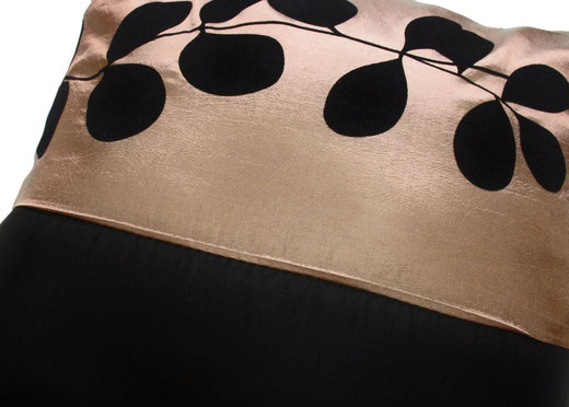 タイシルク クッションカバー  リーフ デザイン シャンパンゴールド 【Leaf Design , Champagne Gold】 45×45cm 対応の商品写真03