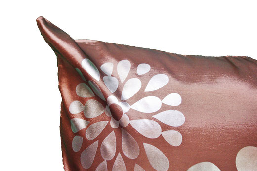 タイシルク クッションカバー  フラワー デザイン シャンパンゴールド 【Flower Design , Champagne Gold】 45×45cm 対応の商品画像03