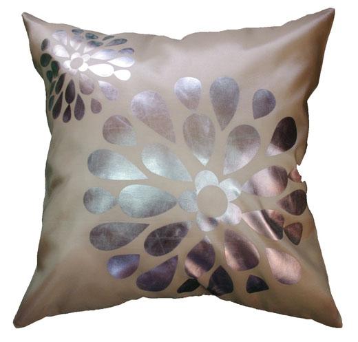 タイシルク クッションカバー  フラワー デザイン パールホワイト 【Flower Design , Pearl White】 45×45cm 対応の商品画像01