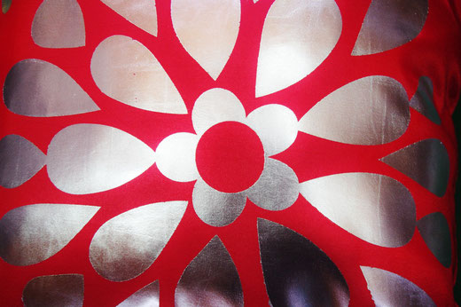 タイシルク クッションカバー  フラワー デザイン レッド 【Flower Design , Red】 45×45cm 対応の商品画像02