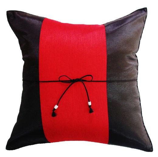 タイランド クッションカバー チェンマイ デザイン レッド × ブラック 【Chiang Mai Design , Red × Black】 40×40cm の商品画像01