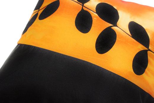 タイシルク クッションカバー  リーフ デザイン オレンジ 【Leaf Design , Orange】 45×45cm 対応の商品写真03