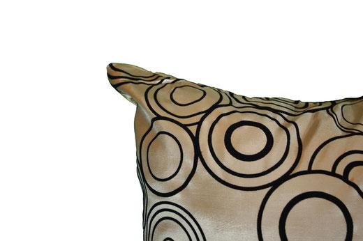 タイシルク クッションカバー  リングデザイン シャンパンゴールド 【Ring Design , Champagne Gold】 45×45cm 対応の商品写真13