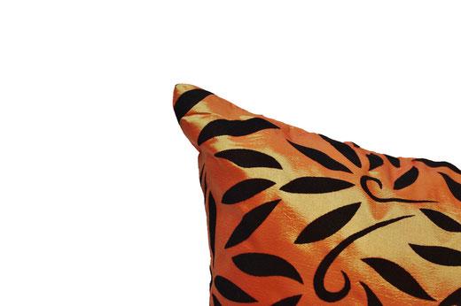 タイシルク クッションカバー  バンコク リーフ デザイン  オレンジ   【Bangkok Leaf Design , Orange】 45×45cm 対応 03
