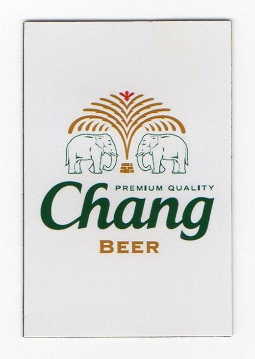 チャーン ビール マグネット type A (ホワイト×縦タイプ) 1枚 【タイ雑貨 Thailand Beer Chang Magnet】の商品画像01