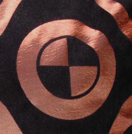 タイシルク クッションカバー  チェッカーデザイン ブラウン 【Checker Design , Brown】 45×45cm 対応の商品画像02