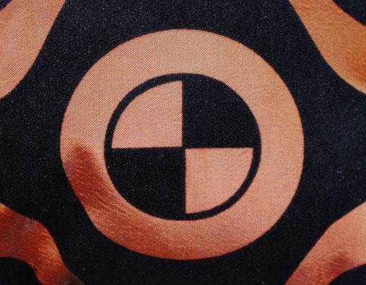 タイシルク クッションカバー  チェッカーデザイン ブロンズ 【Checker Design , Bronze】 45×45cm 対応の商品画像02