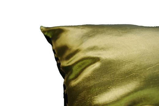 タイシルク クッションカバー  スクリュー デザイン グリーン 【Screw Design , Green】 45×45cm 対応の商品画像08