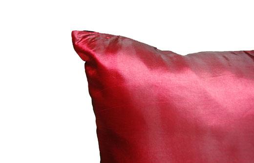 タイシルク クッションカバー  スクリュー デザイン ワインレッド 【Screw Design , Wine Red】 45×45cm 対応の商品画像06