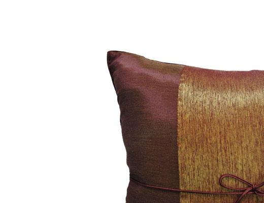 タイランド クッションカバー チェンマイ デザイン  ライトブラウン × ゴールド 【Chiang Mai Design , Light Brown × Gold】 40×40cm の商品画像02