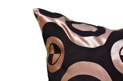 タイシルク クッションカバー  チェッカーデザイン シャンパンゴールド 【Checker Design , Champagne Gold】 45×45cm 対応の商品写真04