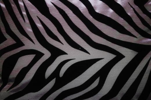 タイシルク クッションカバー  ゼブラ デザイン シルバー 【Zebra Design , Silver】 45×45cm 対応の商品画像02