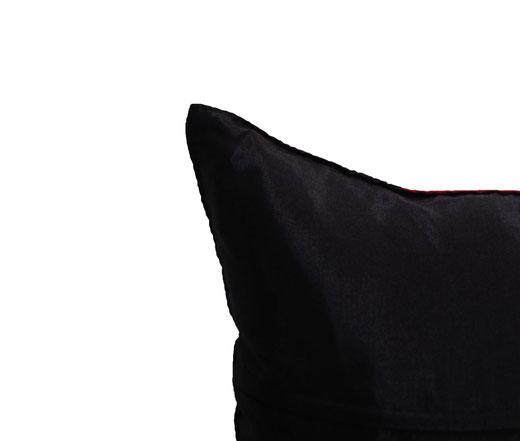 タイランド クッションカバー チェンマイ デザイン レッド × ブラック 【Chiang Mai Design , Red × Black】 40×40cm の商品画像04