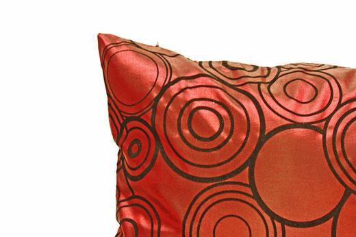 タイシルク クッションカバー  リングデザイン ワインレッド 【Ring Design , Wine Red】 45×45cm 対応の商品写真02
