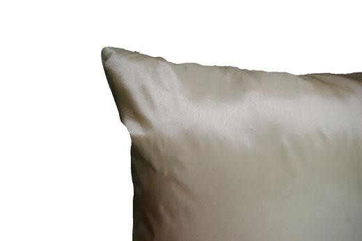 タイシルク クッションカバー  スクリュー デザイン パールホワイト 【Screw Design , Pearl White】 45×45cm 対応の商品画像06