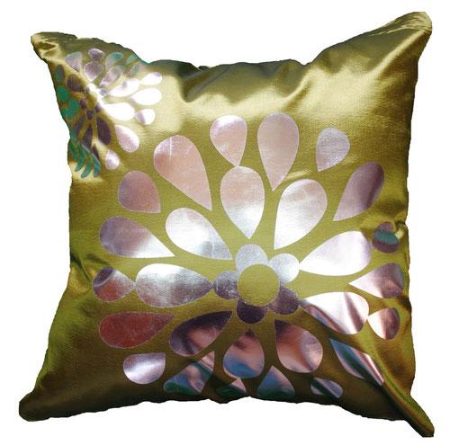 タイシルク クッションカバー  フラワー デザイン グリーン 【Flower Design , Green】 45×45cm 対応の商品画像01