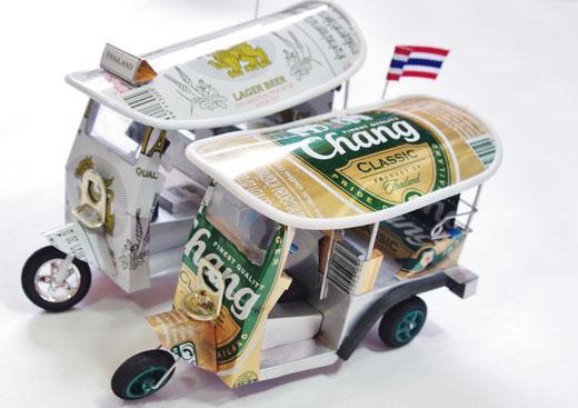 ハンドメイド トゥクトゥク (TUK TUK) シンハービール(ビアシン) Singha Beer チャーンビール(ビアチャン)Chang beer の商品写真01 [タイ雑貨 アジアン雑貨 タイ旅行おみやげ]