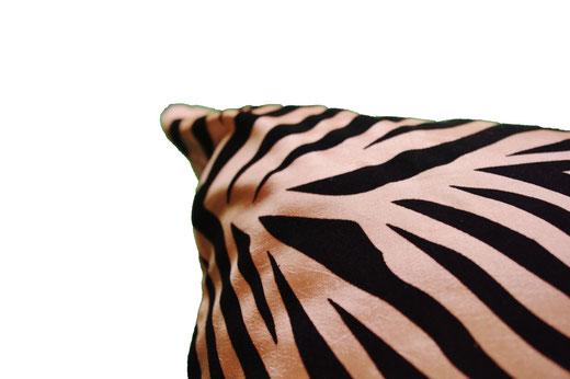 タイシルク クッションカバー  ゼブラ デザイン ゴールド 【Zebra Design , Gold】 45×45cm 対応の商品画像04