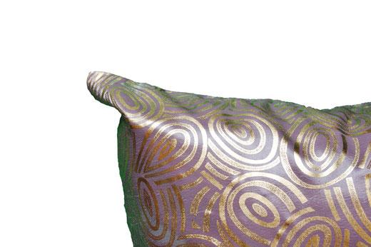タイシルク クッションカバー  ゴールドリング デザイン シルバー 【Gold Ring Design , Silver】 45×45cm 対応の商品写真03