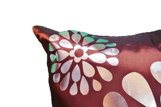 タイシルク クッションカバー  フラワー デザイン ブラウン 【Flower Design , Brown】 45×45cm 対応の商品画像03