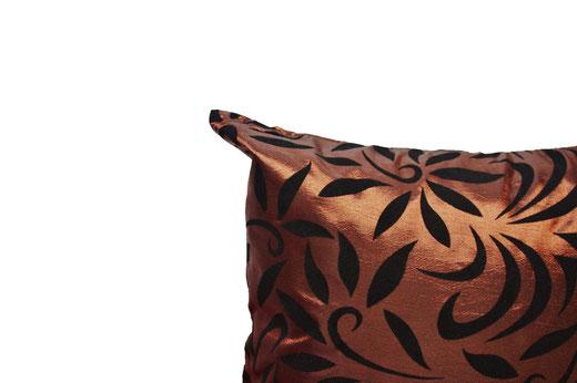 タイシルク クッションカバー  バンコク リーフ デザイン  ブラウン   【Bangkok Leaf Design , Brown】 45×45cm 対応 03
