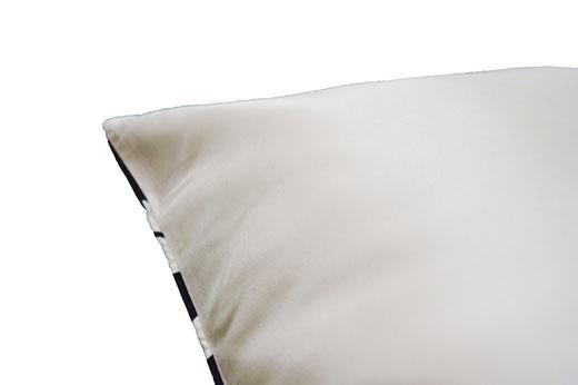タイシルク クッションカバー  チェッカーデザイン ホワイト 【Checker Design , White】 45×45cm 対応の商品写真05