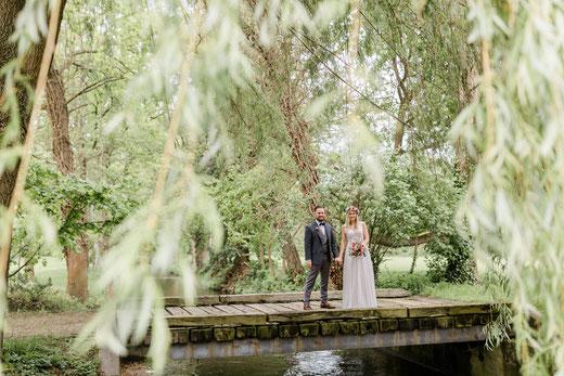 Hochzeit und Freie Trauung im Gut Rehbach. Foto: Isabel Kauther Photography.