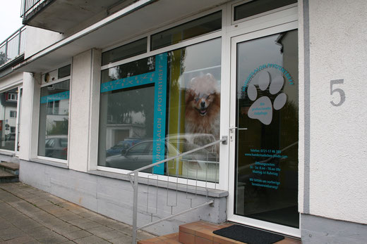 "Hundesalon ""Pfotentreff"" in Karlsruhe"