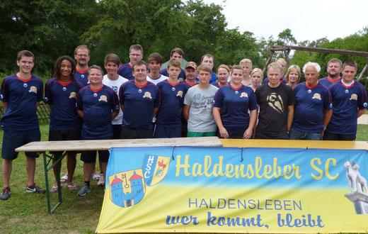 Eine Auswahl unserer fleissigen und ehrenamtlichen Helfer beim 7. Fussballcamp !