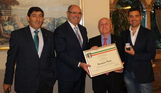 Consegna dell'attestato e della spilla all'A.B. Pietro Severgnini per il 60 anniversario di appartenenza all'Associazione Italiana Arbitri