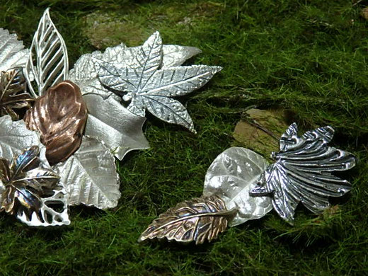 銀と銅の葉