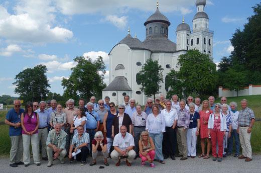 Die Studiengruppe vor der Wallfahrtskirche Maria Birnbaum (Foto: Anton Brunner)