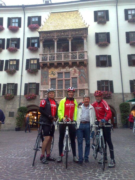 mit Herbert vor dem Goldenen Dach ins Innsbruck