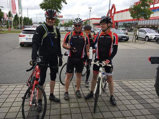 nach 122 km in Flensburg angekommen , freuen wir uns auf die Pause