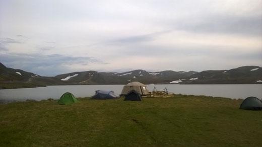 unsere Zelte am nördlichsten Campingplatz (15 km vom Nordkap)