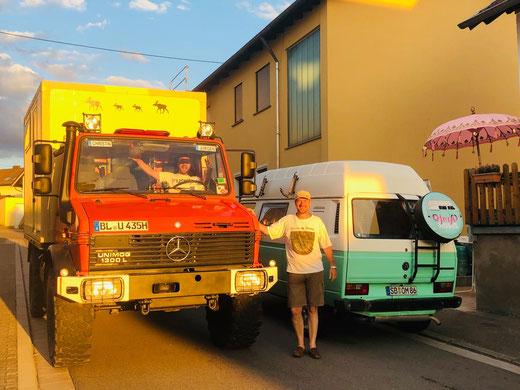 Jürgen & sein Unimog zu Besuch bei der Yogimobil Studio Eröffnung. Eine wundervolle Überraschung!