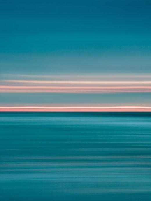 Ostsee, Baltic Sea, Fotokunst, abstract, seascape, abstrakt, Meer, Meerblick, Kunst, Strand, beach, Fine Art, Fotografie, photography, wall art, Holger Nimtz, impressionistisch, Impressionismus, Wandbild, malerisch, verwischt, sunset, Sonnenuntergang,