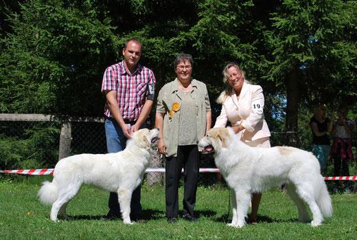 Echo de'Chien Esibelle & Echo de'Chien Escuda pour Garcon . Photo Robert Filipovic