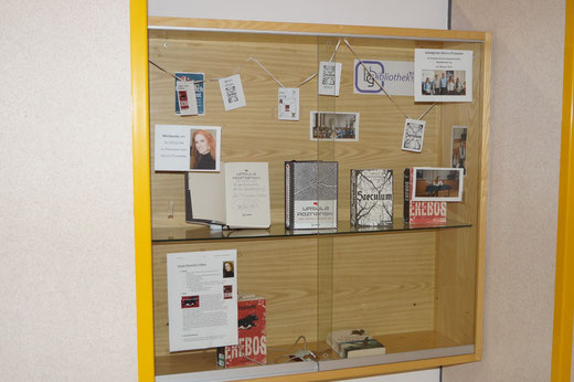 Buchausstellung zur Autorenlesung mit Ursula Poznanski