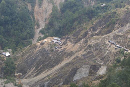 鉱山開発も環境破壊の要因です