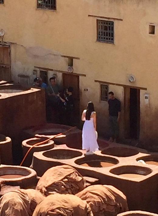 Braut vor Gerbbecken