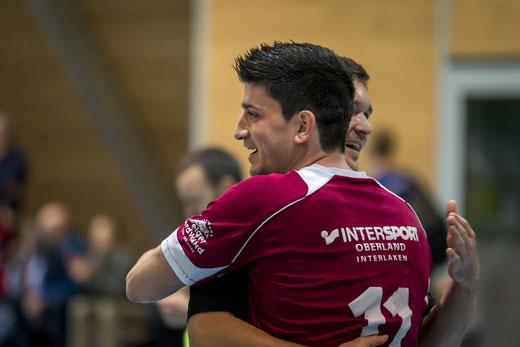 Hatte Grund zur Freude: Dimas Guerra und sein Team gewann sowohl im Cup als auch in der Meisterschaft. Archivbild: Ueli von Allmen