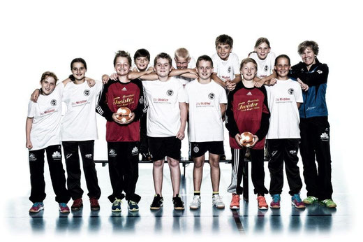 Erfolgreich gestartet: Das U13-Team gewinnt das erste Turnier der Saison. Foto: Häsler Foto Video