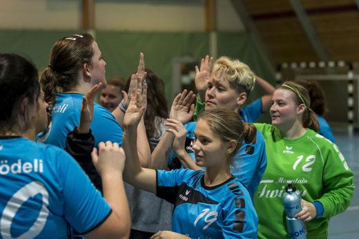 Trotz der 15:24-Niederlage konnten die HGB-Damen mit dem Gezeigten zufrieden sein. Archivbild: Ueli von Allmen