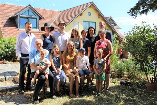 Familie Brunner mit Nachwuchs im Juli 2019