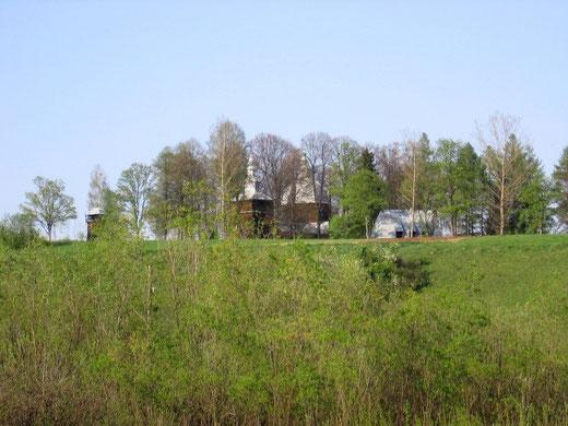 Cerkiew św. Dymitra w Złockiem została zbudowana na wzniesieniu i góruje ponad miejscowością